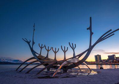 Le voyageur du soleil - au levé Reykjavik